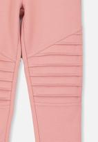 Cotton On - Delevigne pant - pink & silver