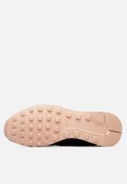 Nike - Internationalist Premium Shoe - blk/mtlc bomber gry-bio beige