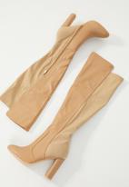 Miss Black - Ilana boot - taupe