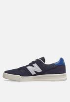 New Balance  - Classic Court - navy