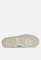 New Balance  - WRT300G2 classic court - light grey