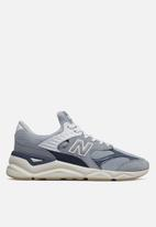 New Balance  -  X90 - beach blue
