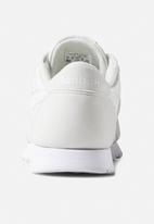 227d0b548ec9c Cl nylon color - color-true grey white Reebok Classic Sneakers ...