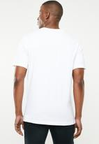 Nike - Nsw swoosh tee - white & black