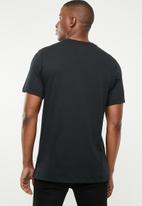 Nike - Nsw sznl stmt 7  tee - black