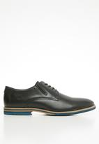Pringle of Scotland - Miles leather lace-up - black