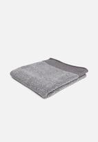 Linen House - Plush marle bath sheet - charcoal