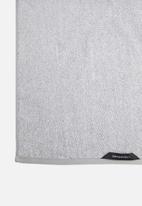 Linen House - Plush marle bath towel - grey