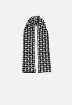 Pringle of Scotland - Shelley diamond scarf - black