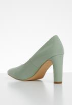 Superbalist - Square toe court - green