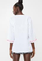 Lithe - Embroidered kaftan - white