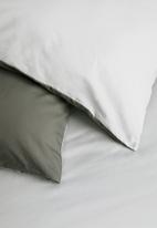 Sixth Floor - Reversible duvet set - dgrey/lgrey