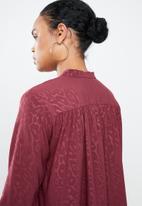 MANGO - Jacquard deep v blouse - burgundy