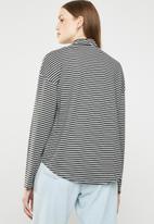 Superbalist - Turtle neck drop shoulder boxy tee - grey & black