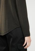 Superbalist - Turtle neck drop shoulder boxy tee - khaki & black