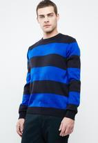 Superbalist - Stripe pullover knit - navy & blue