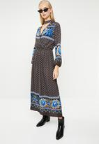STYLE REPUBLIC - Bell sleeve maxi dress - multi