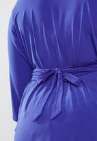 STYLE REPUBLIC PLUS - Self-tie wrap top - blue