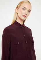MANGO - Double pocket shirt - burgundy