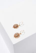 Cotton On - Matilda baroque earring - gold