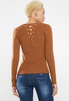 Sissy Boy - Logo knitwear with back lace up detail - rust