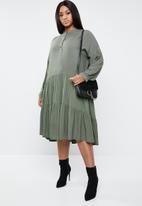 Superbalist - Tiered volume dress - khaki