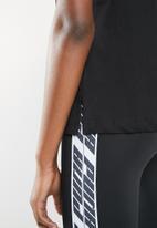 PUMA - Classics logo tee - black