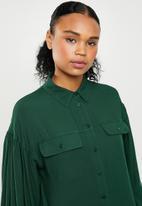 Superbalist - Blouson sleeve utility shirt - green
