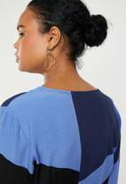Vero Moda - Molly wrap dress - blueprint