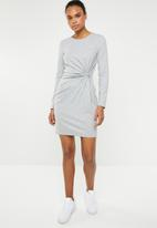 Vero Moda - Mia long sleeve knot dress - grey