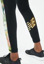 New Balance  - Essentials sweet nectar track legging - black