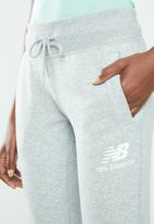 New Balance  - Essential stacked logo sweatpants - grey