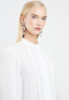 Vero Moda - Grow long sleeve pleated shirt - white