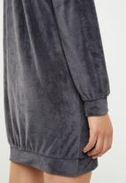 Missguided - High neck zip front velour sweater dress - grey