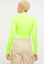 Missguided - Zip front ls ribbed crop top - green