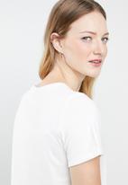 Vero Moda - Gloria shoes t-shirt - off white