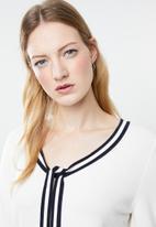 Vero Moda - Lynn glory v-neck knit top - cream