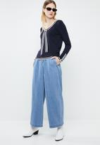 Vero Moda - Lynn glory v-neck knit top - navy