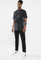 adidas Originals - Flamestrk short sleeve tee - black