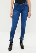 SOVIET - Ladies skinny jean with zip detail - blue