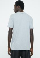 Under Armour - UA big logo short sleeve tee - grey