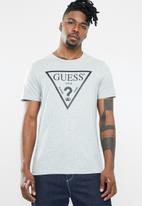GUESS - Triangle tee - grey