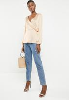 Missguided - Long sleeve wrap side satin blouse - neutral