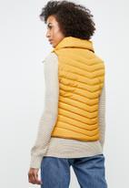 Tokyo Laundry - Chervil sleeveless puffer jacket - yellow