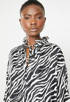 Superbalist - Peasant blouse - black & white