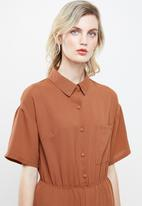 Missguided - Short sleeve utility jumpsuit - rust