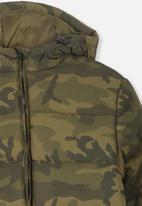 Cotton On - Puffer camo print jacket - green