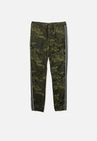 Cotton On - Rider jogger camo print pant - green