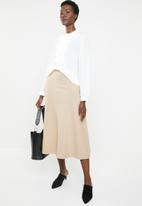 edit - Ruffle blouse - white
