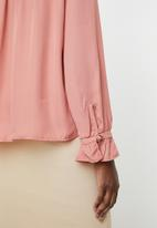 edit - Blouse with frill neckline - pink